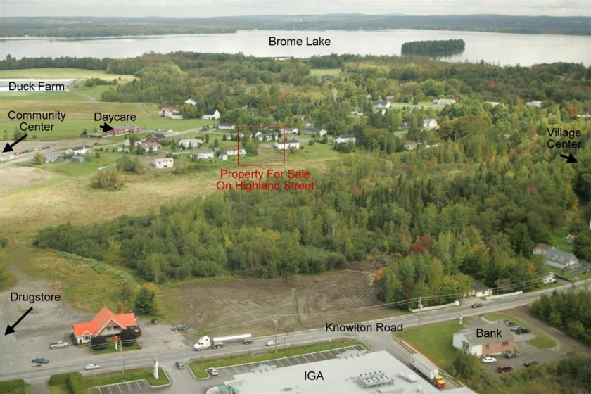 Aerial view of the property showing the proximity and landscape of Knowlton one of the most Beaitiful villages in Quebec.